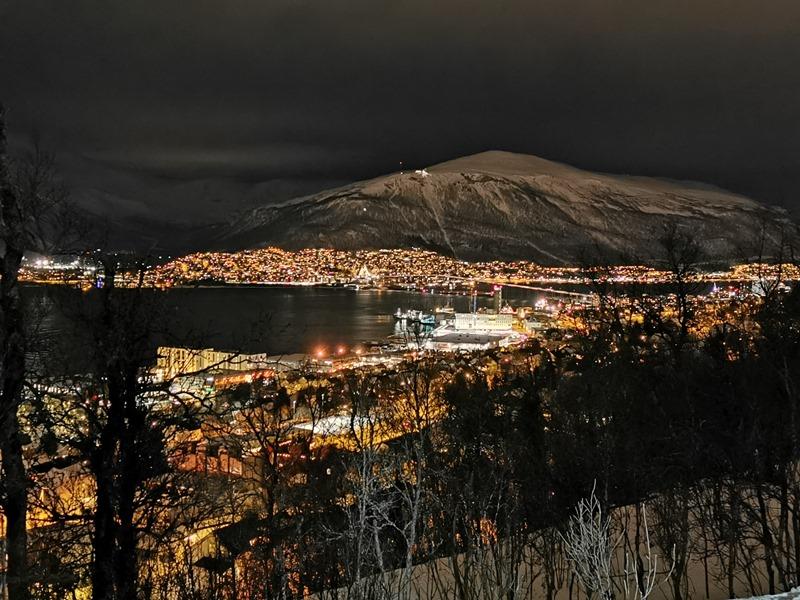 Ausblick auf Tromsö Hurtigruten Schneeschuhwandern