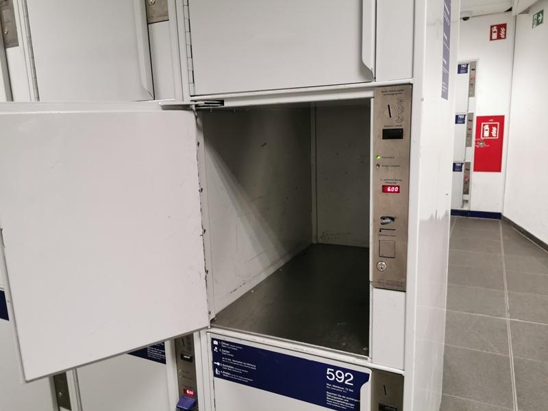 so sieht gepäckschliessfach berlin hauptbahnhof aus